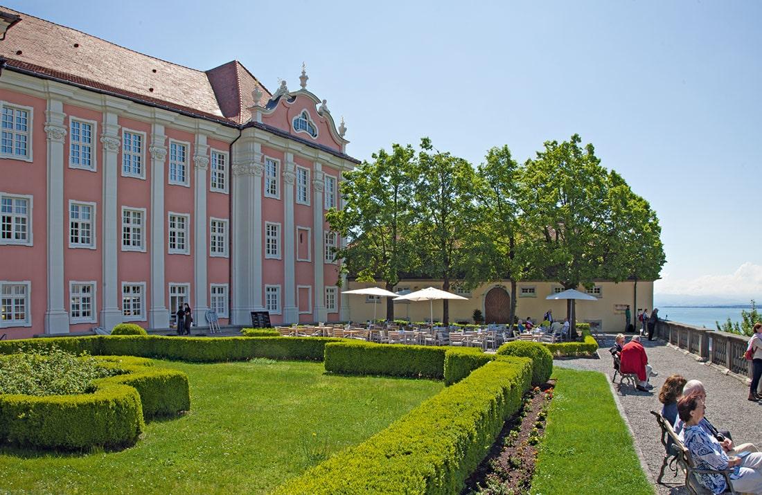Blick auf die Schlossanlage des Neuen Schloss Meersburg