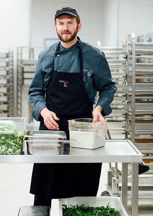 Küchenchef Jochen Behl in der Küche der CANtine